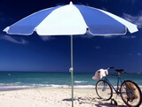 藍白海灘傘